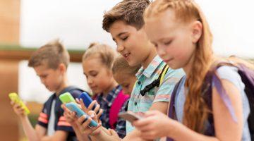 Smartphone in der Grundschule - Ab wann ist ein eigenes Handy angemessen?